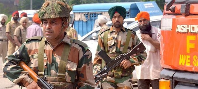Pathankot via Gurdaspur: Take the Jammu and Kashmir route for the way ahead