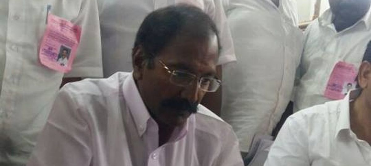 Mimicry artist arrested for transferring officials by imitating TN minister's voice: Times of India