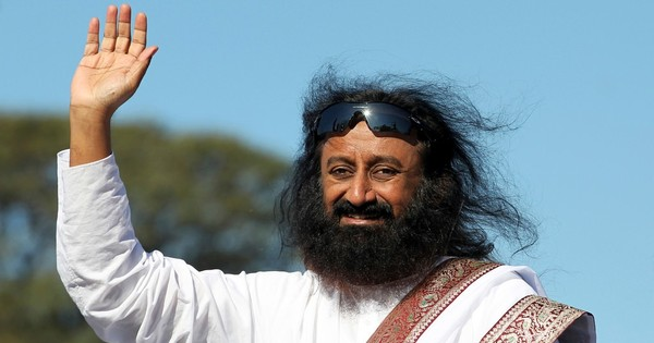 Is Sri Sri Ravi Shankar too cool for the Nobel prize? Twitter thinks so