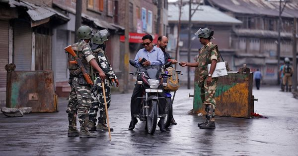 Stolen Wi-Fi passwords, mohalla news: How Kashmir gets around the internet clampdown