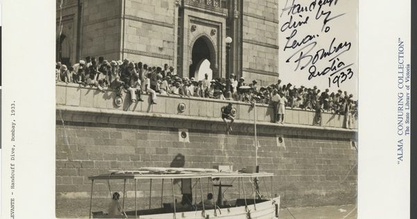Meet the Australian entertainers who enchanted India long before cable TV