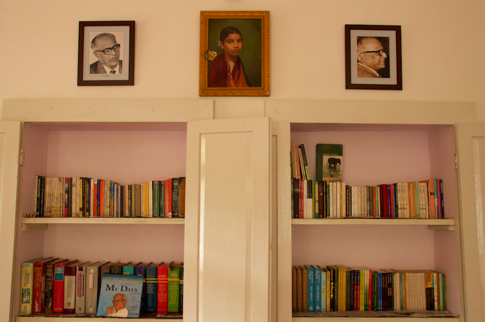 """comparing and contrasting the two stories of rk narayan """"selvi"""" is one of the most intriguing short stories by rk narayan, and possibly  one of his  a comparison between the two plots will hardly show any significant  difference, nor will  one of the most striking differences between narayan as a."""