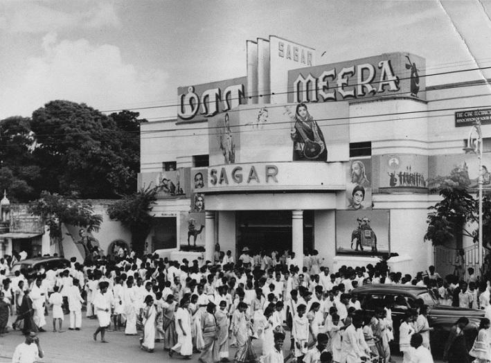 A 'Meera' show at Sagar Theatre in Chennai. Courtesy Radha Viswanathan.