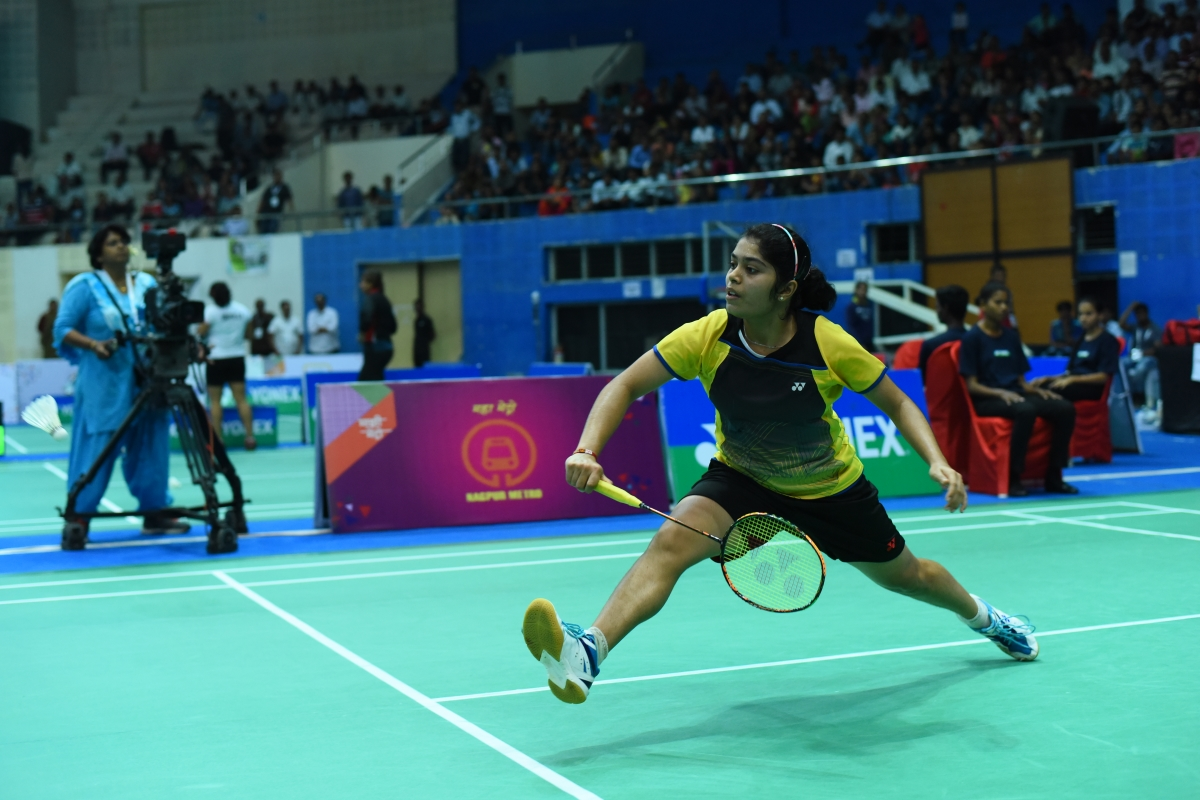 Saina stuns Sindhu in straight games to win Senior Badminton National Championship