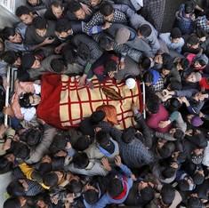 अचानक ऐसा क्या हो गया कि कश्मीर में लोग अलगाववादियों के लिए जान देने को तैयार हैं?