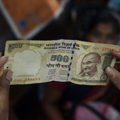 Carefully examine Rs 500 and Rs 1,000 currency notes before accepting them, says RBI