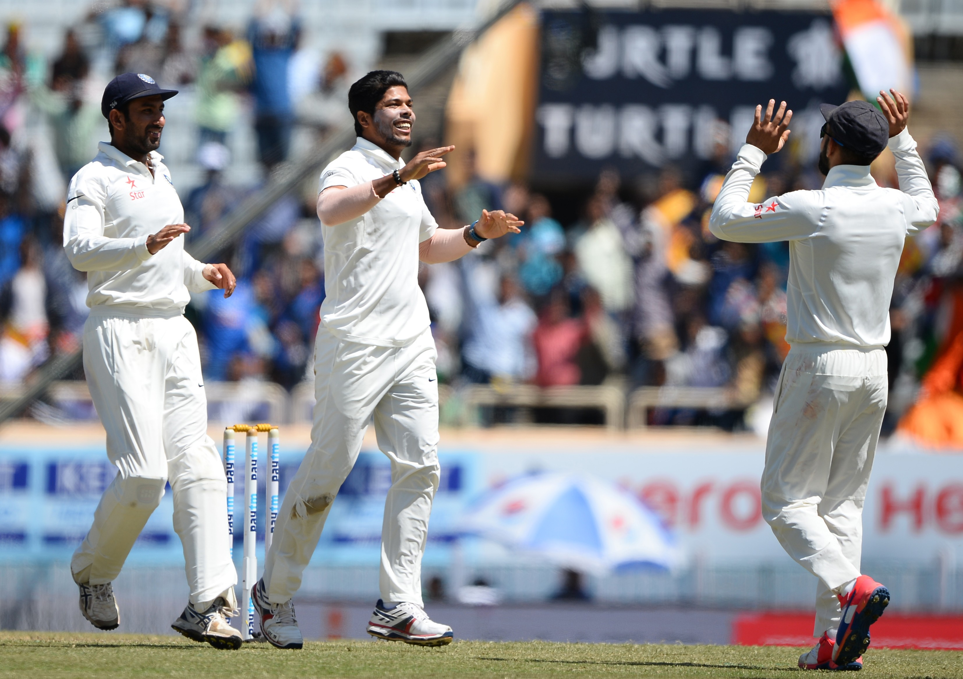 Dharamsala Test: India need 87 more runs to win series against Aussies