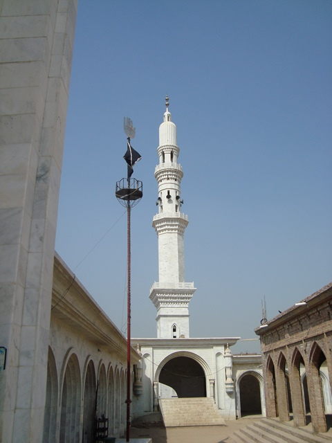 The minaret of the mosque in Pattoki. Credit: Haroon Khalid