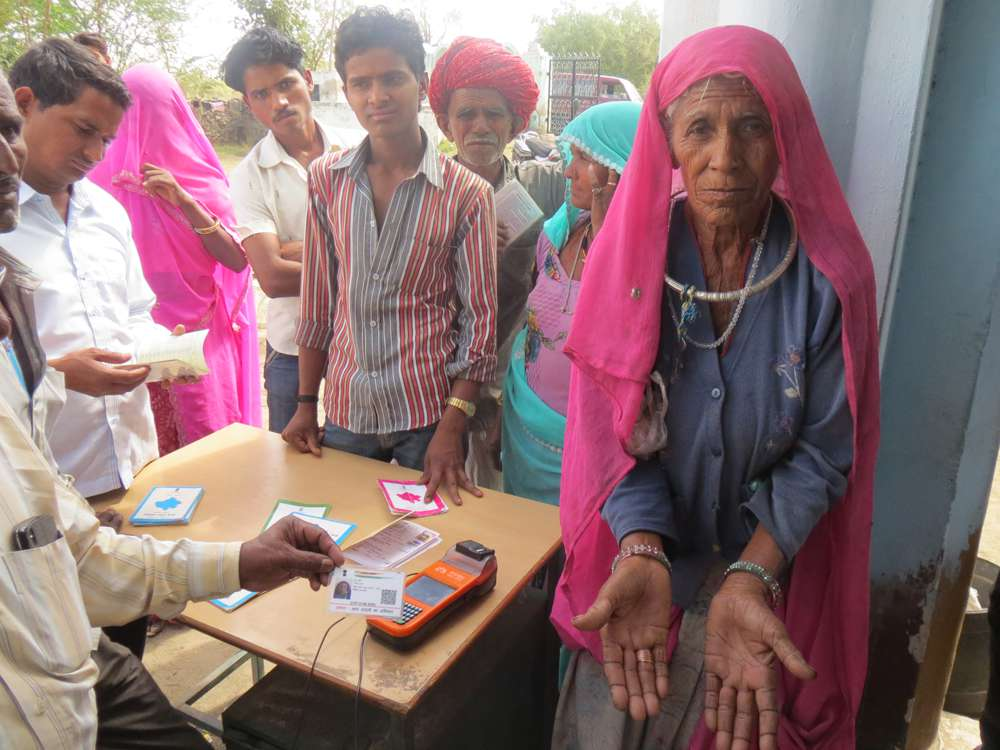 Hanja Devi in Daulatpura in Masuda in Rajasthan's Ajmer is an elderly ration beneficiary for whom fingerprint authentication shows errors. Photo: Anumeha Yadav