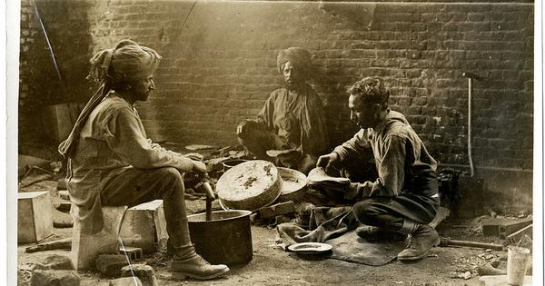 Photos show Indian soldiers' lives behind World War I trenches