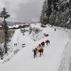 Photos: Snowfall dusts many parts of Northern India