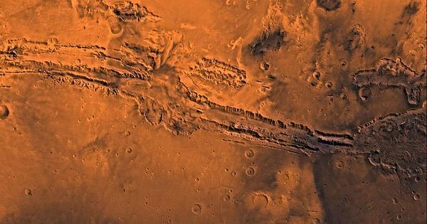 Five Classic Tunes That Celebrate Mars