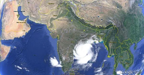 Intense winds batter Vizag as cyclone Hudhud makes landfall