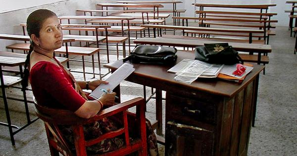 Two charts that show how IITs desperately need to hire more teachers