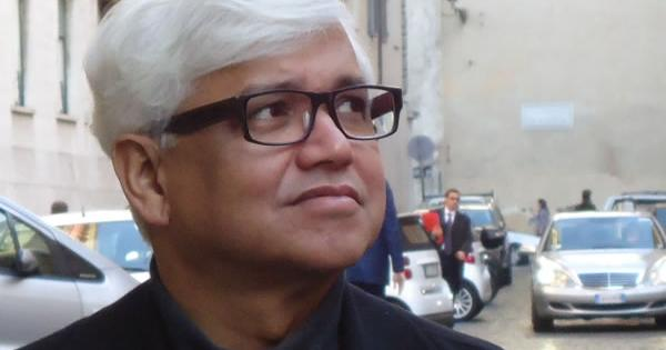 Protests should target Akademi's current leadership, not the institution: Amitav Ghosh