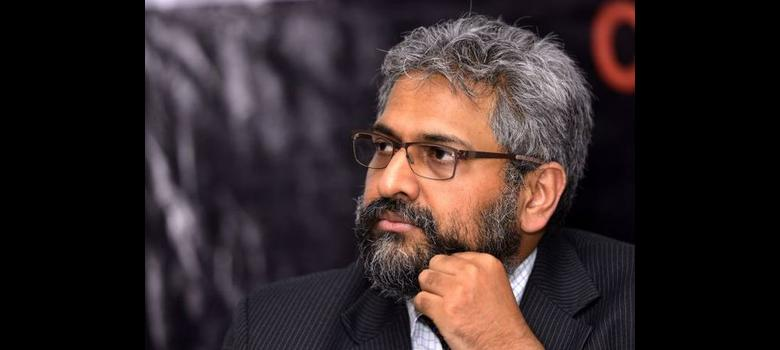 In signal to Modi critic Siddharth Varadarajan, goons beat up caretaker of his flat