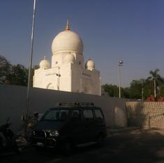 In Ahmedabad, a tiff over a road to a Muslim shrine takes on a communal tinge