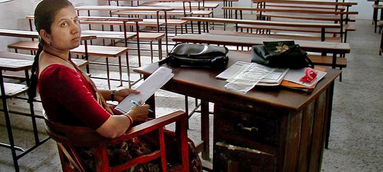 देश के 800 इंजीनियरिंग कॉलेज बंद होने के कग़ार पर क्यों पहुंच गए हैं?