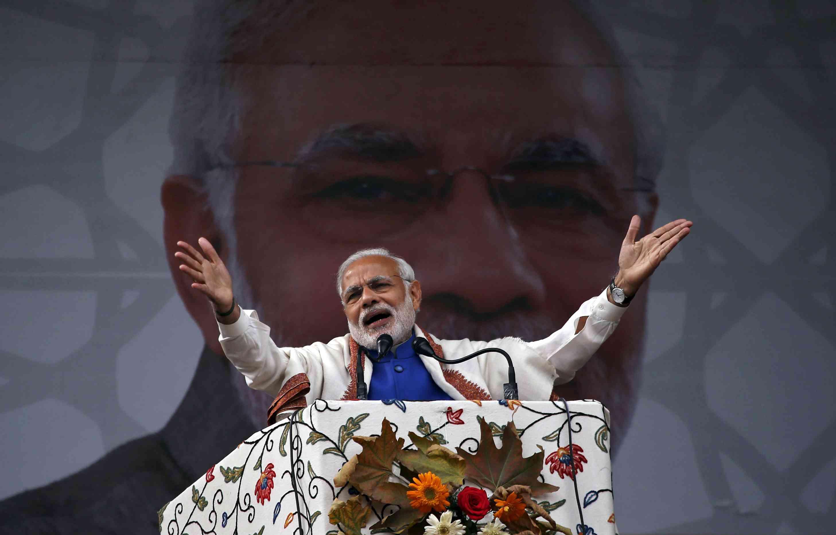 Prime Minister Narendra Modi addresses a rally in a cricket stadium in Srinagar, November 7, 2015. Photo: Reuters