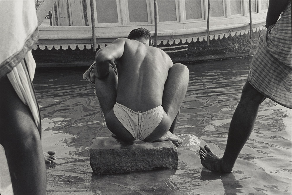Benares, India, 1979, Bathers by the Ganges. Image credit: William Gedney. Courtesy: The David M Rubenstein Rare Book Manuscript Library at Duke University.
