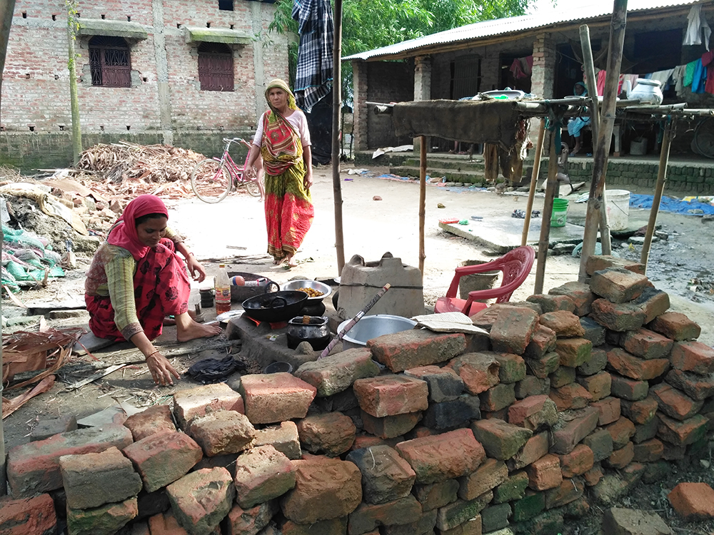 Zafar Alam's family had started cooking in their washed-away kitchen. (Photo credit: Aritra Bhattacharya).