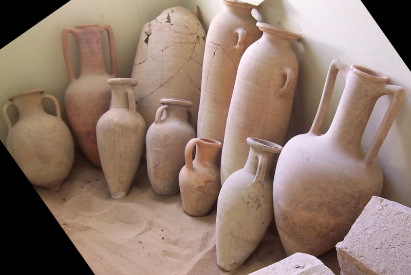 Fragments of Roman amphorae, such as these museum pieces, were found in Kerala. Photo credit: gordontour/flickr [Licensed under Creative Commons by NC-ND 2.0]