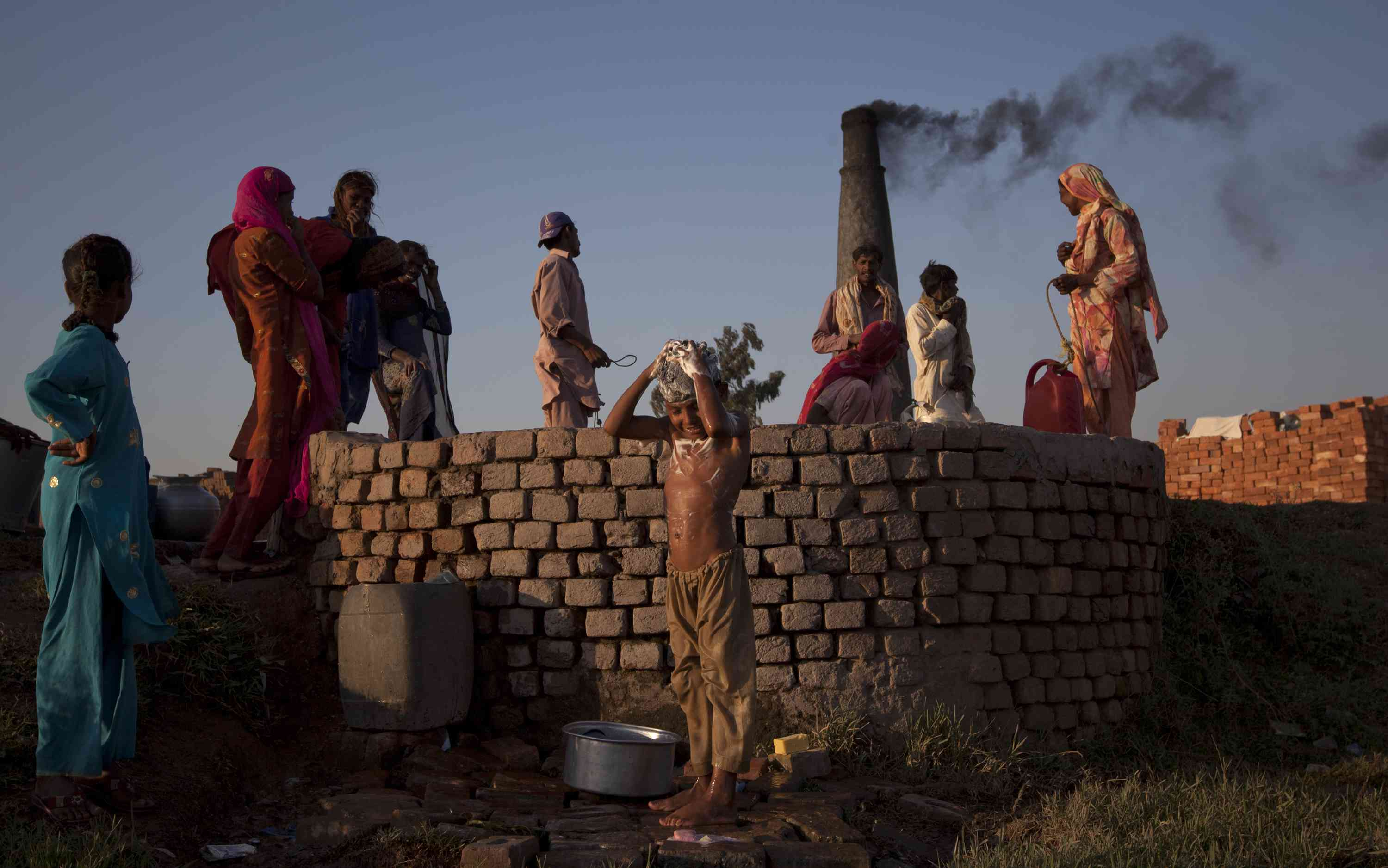 Pakistan has taken the cross-border collaboration route to deal with pollution from brick kilns. (Credit: Rebecca Conway / Reuters)