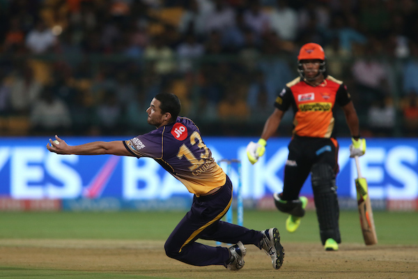 Nathan Coulter-Nile took a fantastic catch off his own bowling. Image credit: Ron Gaunt/IPL/Sportzpics