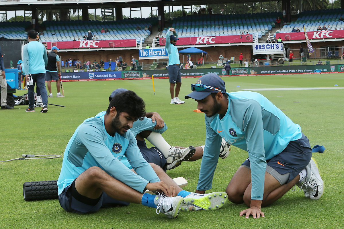 Mumbai pacer Shardul Thakur (left) has only featured in two ODIs for India |  Picture courtesy: Ron Gaunt/ SPORTZPICS