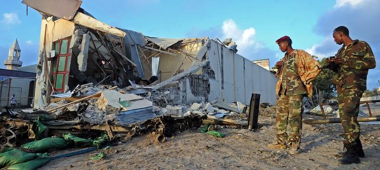 At least 30 killed in Somalia twin bombings