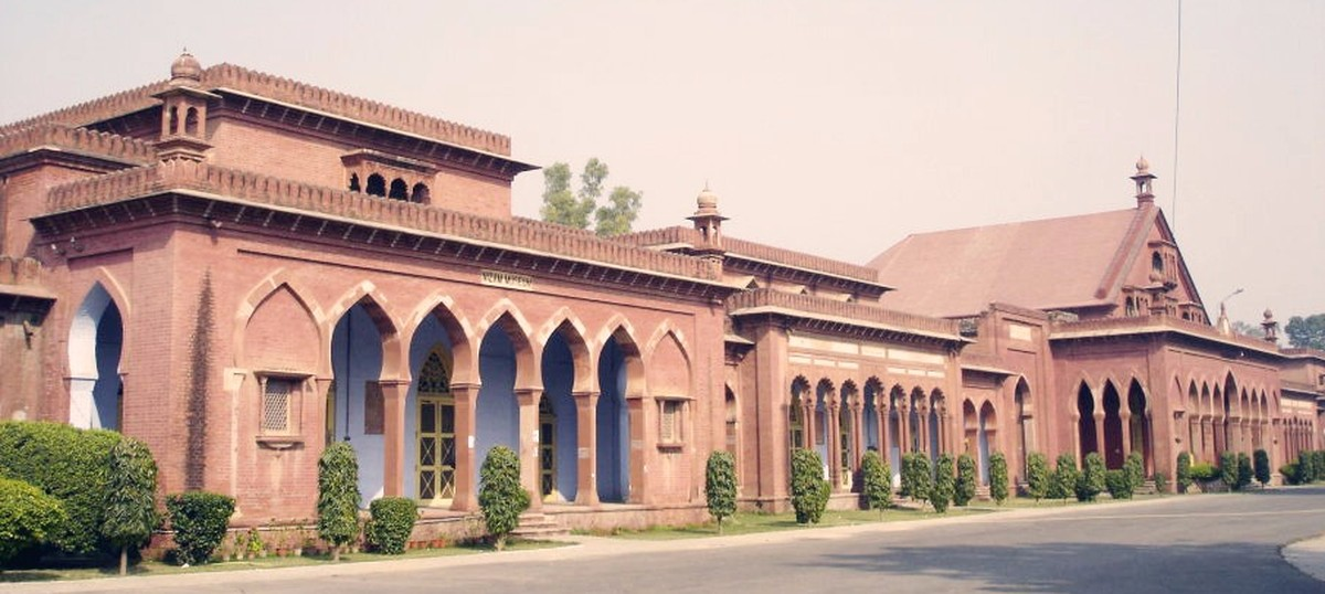 AMU professor dies after institute's hospital fails to provide him an ambulance for six hours