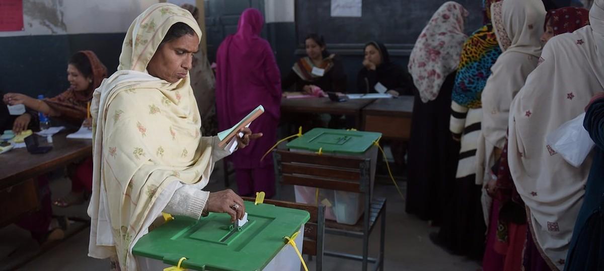 चुनाव प्रक्रिया में हमारी कोई दख़लंदाज़ी नहीं : पाकिस्तानी सेना