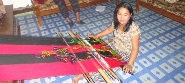 Meet Ramtharmawi, the gun widow who loses herself in weaving