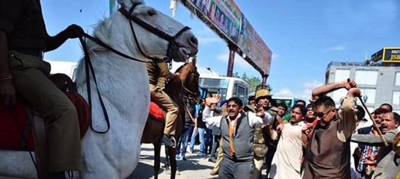 'भाजपा स्पष्ट करे कि वह घोड़े के पक्ष में है या गधों के?'