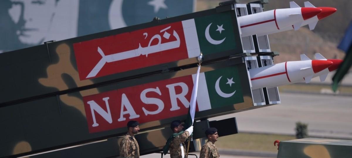 पाकिस्तान की भारत पर परमाणु हमले की धमकी सहित आज के अखबारों की प्रमुख सुर्खियां