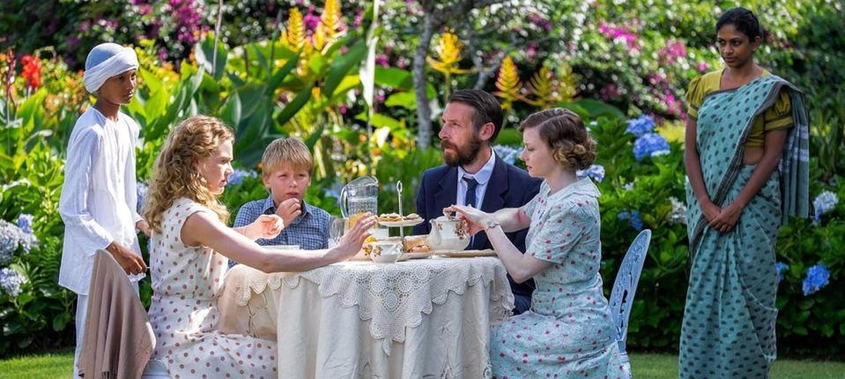 TV show 'Indian Summers' is dainty until it bares its fangs