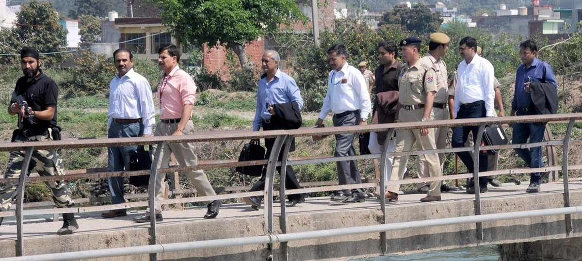 After arrest of alleged Indian spy, few Pakistanis trust New Delhi on Pathankot ‒ or anything else