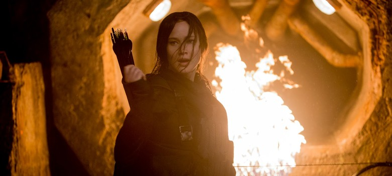 Film review: 'The Hunger Games: Mockingjay 2' hits the target, but after some dawdling