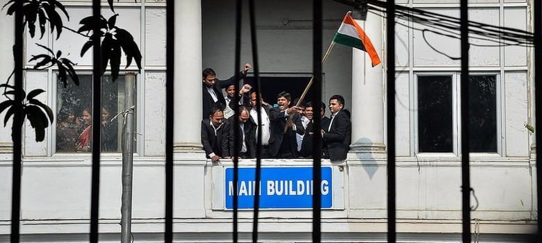 जिन्हें नाज है हिंद पर वो कहां हैं
