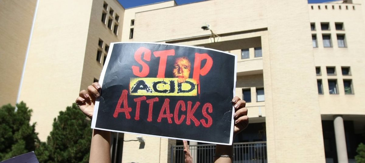 Tamil Nadu: Masked men throw acid on woman constable in Vellore
