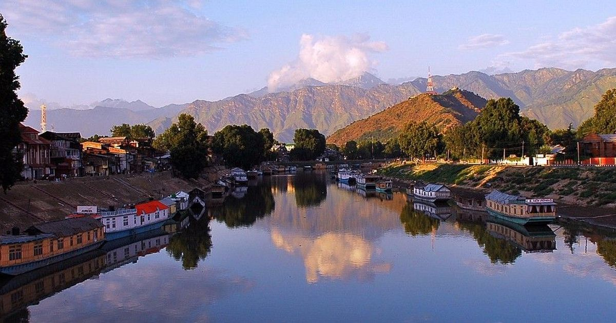 Gently down the Jhelum: Is water transport in Kashmir a practical option?