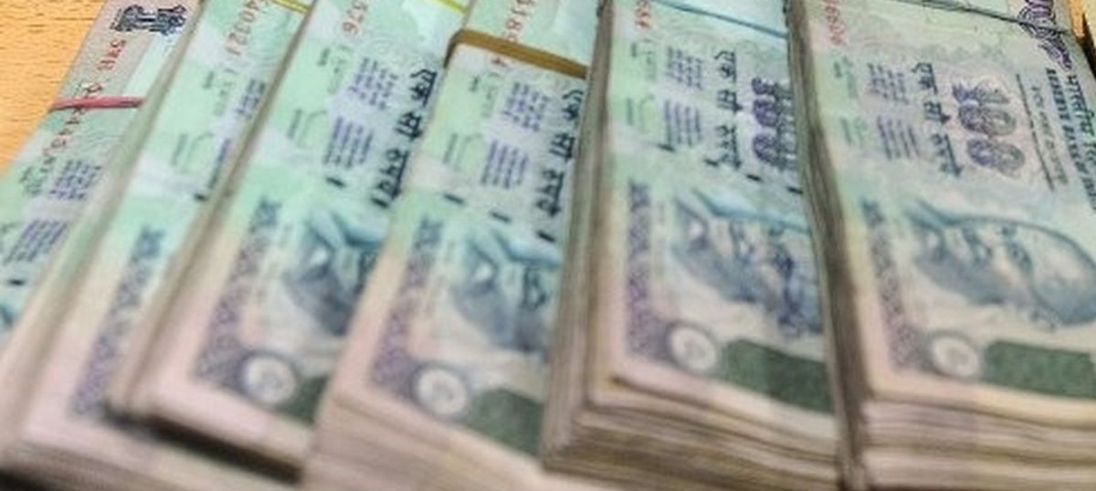 The business wrap: Rs 60 crore found in 20 fake accounts at Axis Bank, and six other top stories