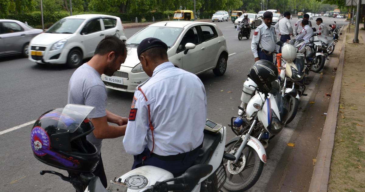 अब आप ट्रैफिक पुलिस को अपने ड्राइविंग लाइसेंस की डिजिटल कॉपी भी दिखा सकते हैं
