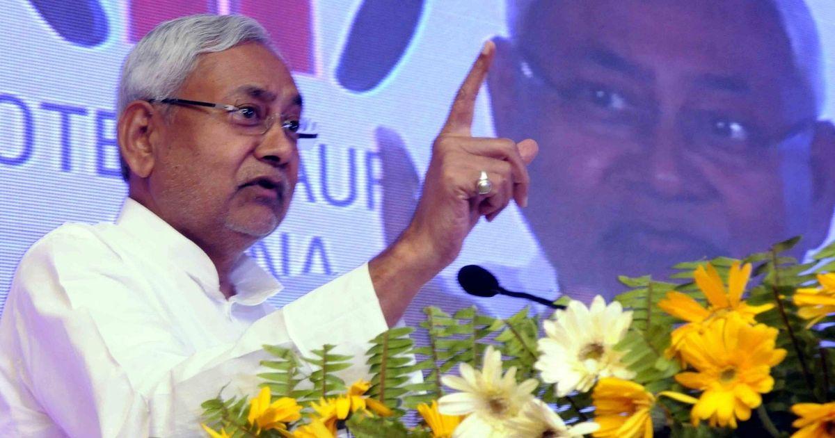 Bihar: JD(U) gives RJD four days to 'come clean' on charges against Lalu Prasad, Tejashwi Yadav