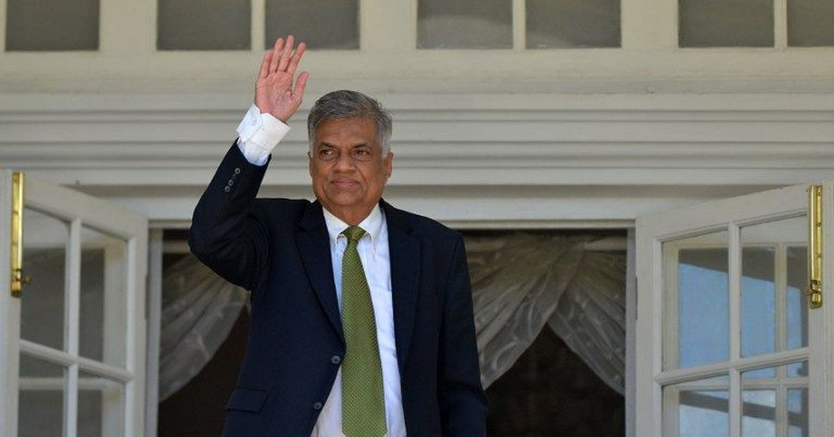 Sri Lankan crisis: Speaker recognises Wickremesinghe as prime minister, questions Sirisena's moves