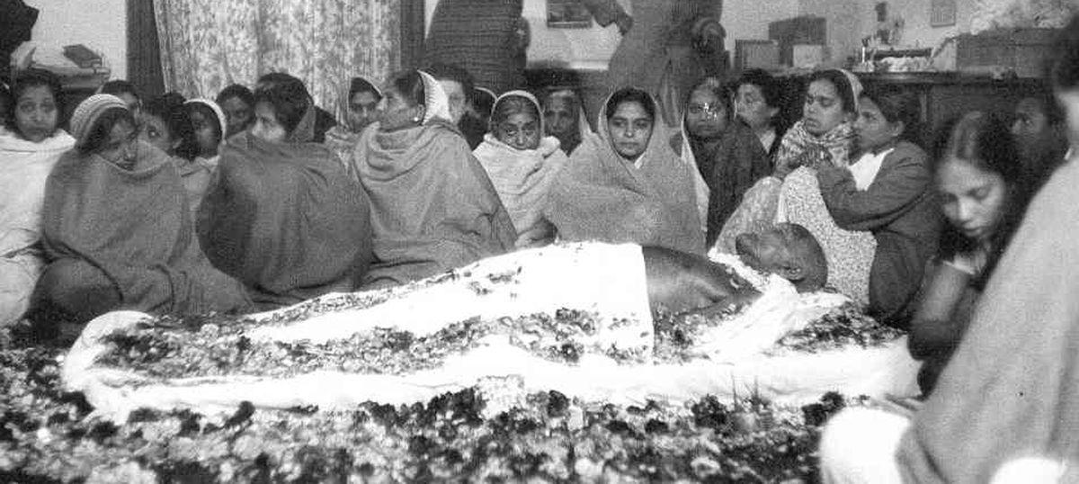 कैसे 30 जनवरी को हुई गांधी जी की हत्या का संबंध आज की हर 26 जनवरी से जुड़ा हुआ है
