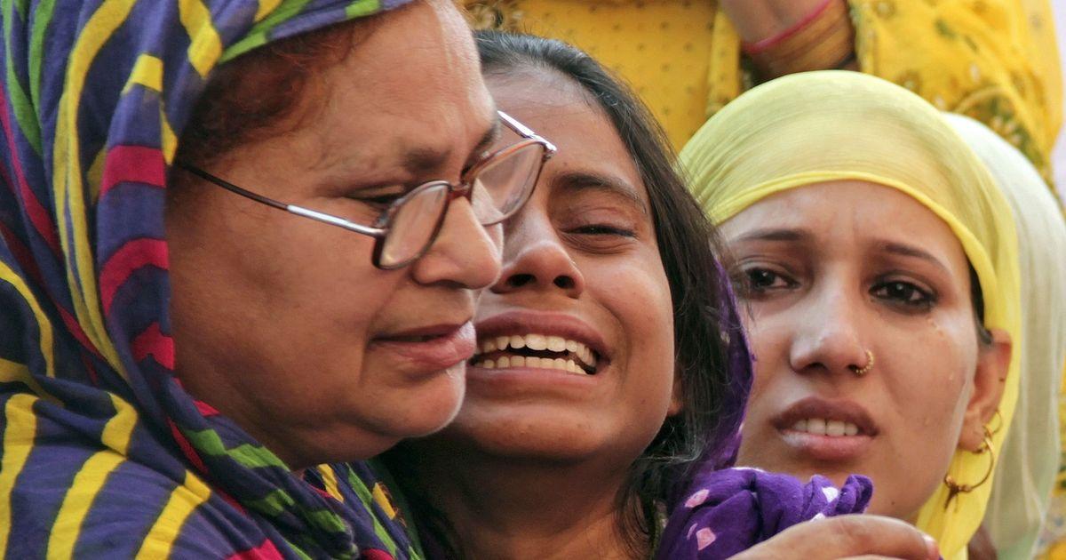भारत में आदमी की जिंदगी भले बढ़ गई हो, लेकिन उसके जीवन का मोल हर दिन घट रहा है