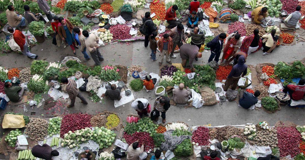 मोदी सरकार को लगातार दूसरे महीने राहत, खुदरा महंगाई दर घटने के साथ औद्योगिक उत्पादन बढ़ा