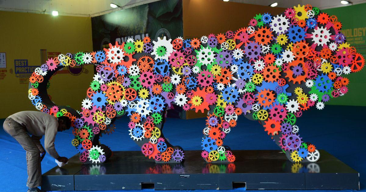 विदेशी कंपनियों द्वारा 'मेक इन इंडिया' को देश में ही चूना लगाने सहित आज की प्रमुख सुर्खियां