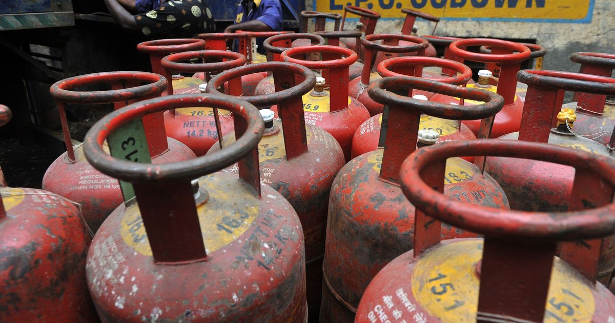 Kerala Protests Against Elimination of LPG Subsidy